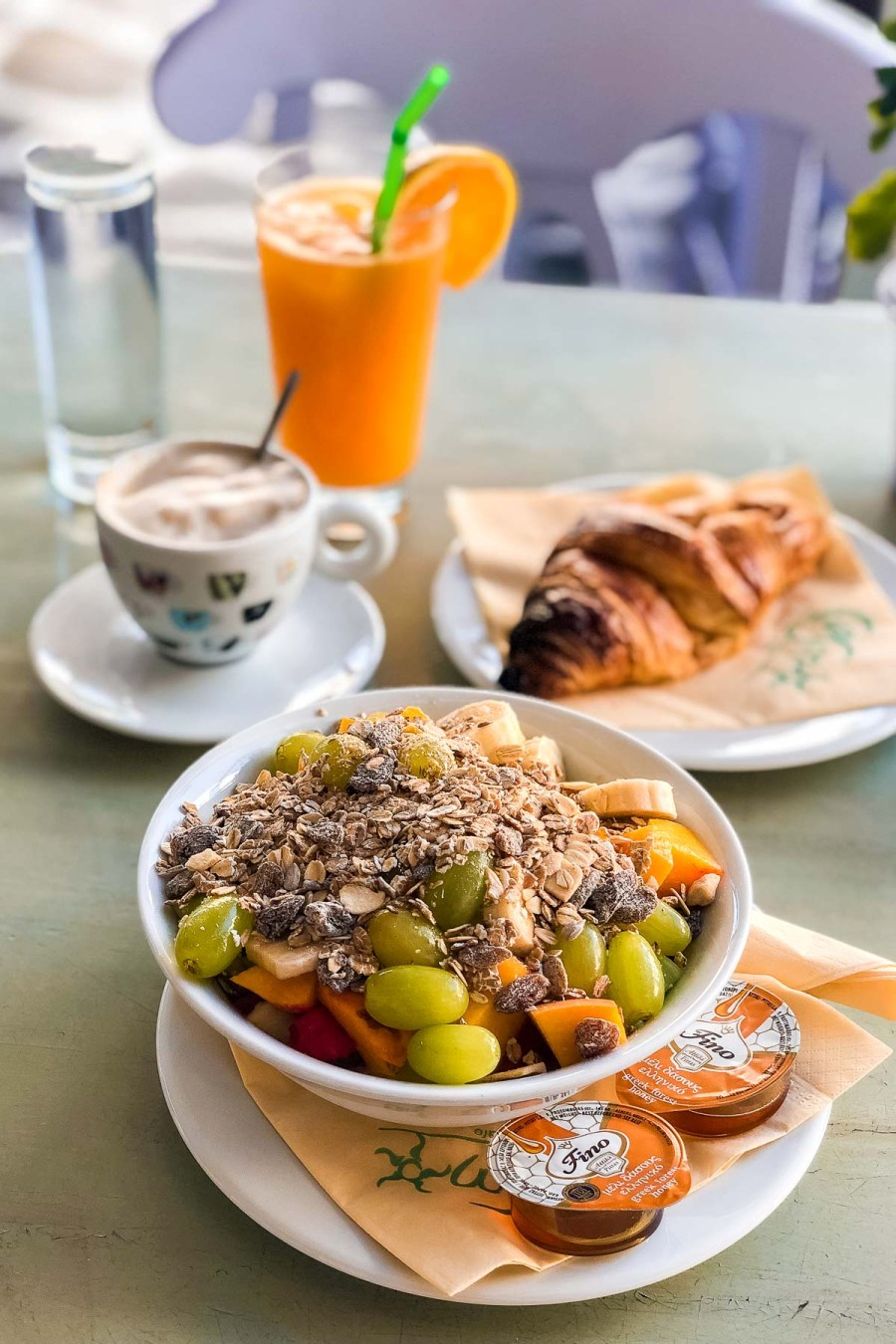 Breakfast at Cosmo Cafe, Mykonos Town