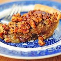 Chocolate Bourbon Pecan Pie Recipe | shewearsmanyhats.com