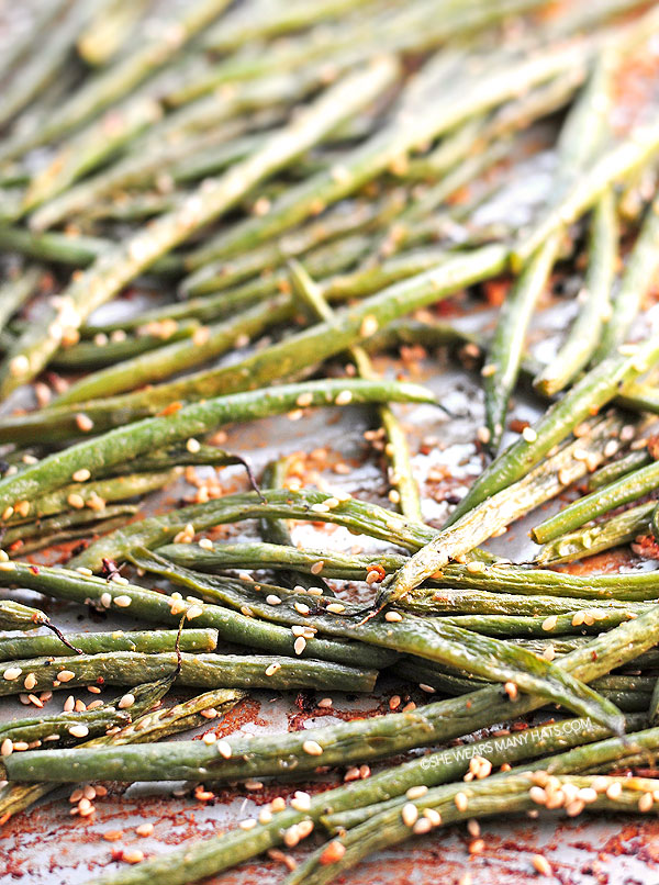 Coconut Milk Roasted Green Beans Recipe | shewearsmanyhats.com