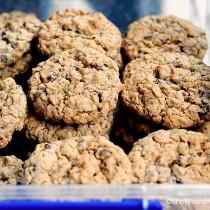 Homemade Oatmeal Chocolate Chip Cookies