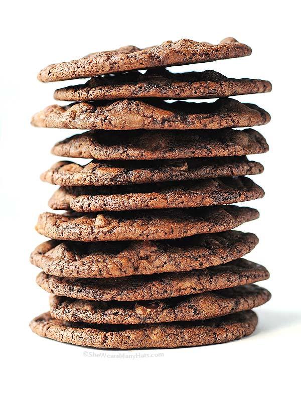 Double Dark Chocolate Cookies Recipe | shewearsmanyhats.com