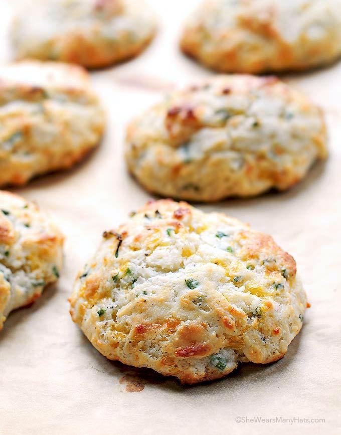 Sour Cream Cheddar Chive Drop Biscuits Recipe | shewearsmanyhats.com