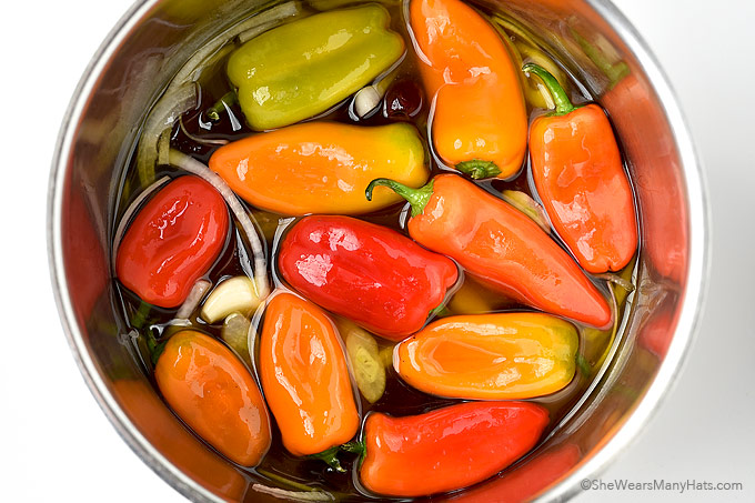 Easy Pickled Peppers Recipe   shewearsmanyhats.com