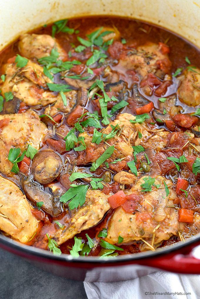 Easy Chicken Cacciatore Recipe | shewearsmanyhats.com