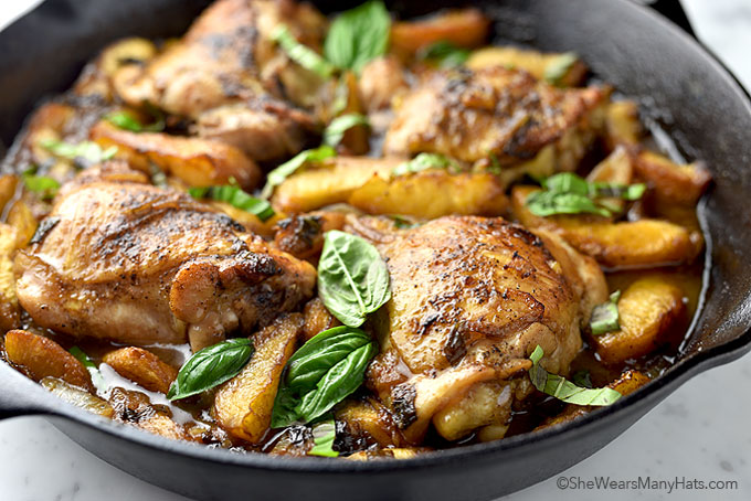 Easy Balsamic Basil Peach Chicken Recipe | shewearsmanyhats.com