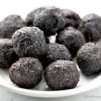 Easy Dark Chocolate Coconut Bites Recipe | shewearsmanyhats.com