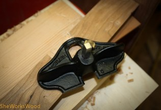 Then I used my small router to create a mortise for the hinges.
