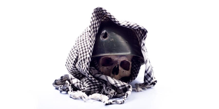 Хадисы отом, что руководство Ахль аль-Бейт не принимается без отречения от их врагов