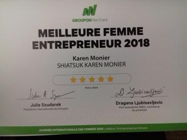 Récompense de la meilleure femme entrepreneur 2018.