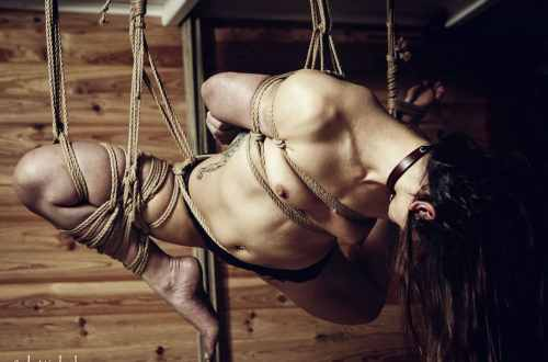 Session shibari Malice Suspension Bambou