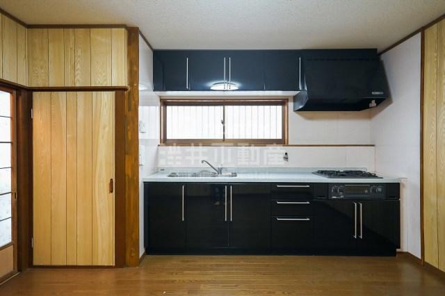 【事業用】新業態にチャレンジ、ダブルキッチンを備えた北区の戸建て。