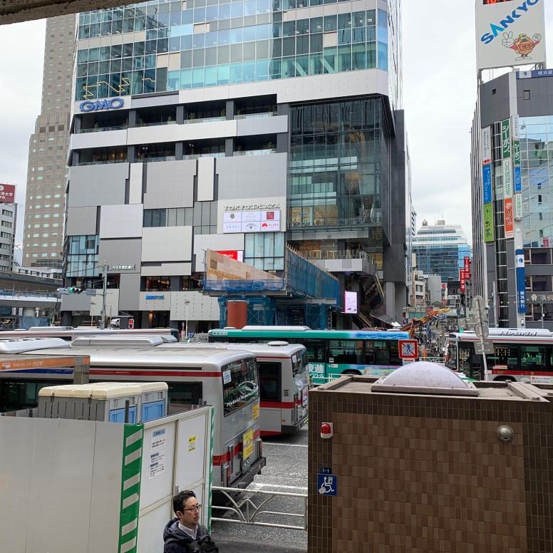 中央街西口駅前デッキ建設中