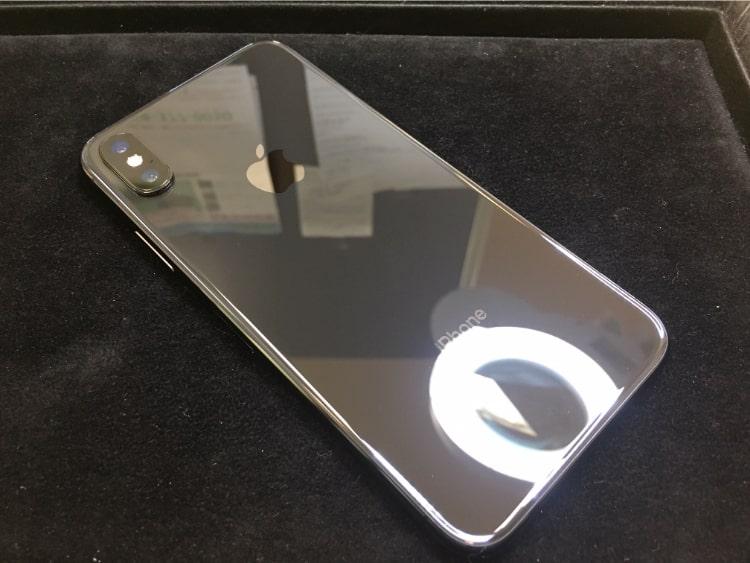 iPhoneXの背面をガラスコーティング