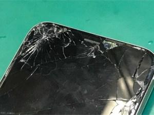 iPhoneXガラス割れ