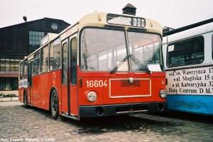 MAN SL200 #16604 nadziedzińcu Muzeum Inżynierii Miejskiej, 20 maja 1999.
