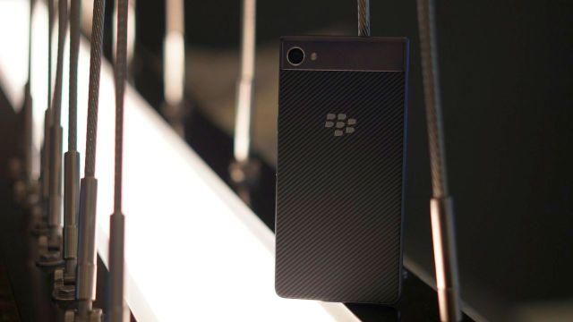 Çerçevesiz ekranı ile BlackBerry Ghost geliyor!