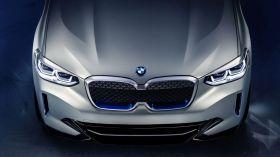 BMW Concept iX3 geleceğe ışık tutuyor!