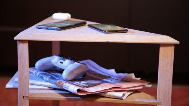 mobile kablosuz şarj destekli masa