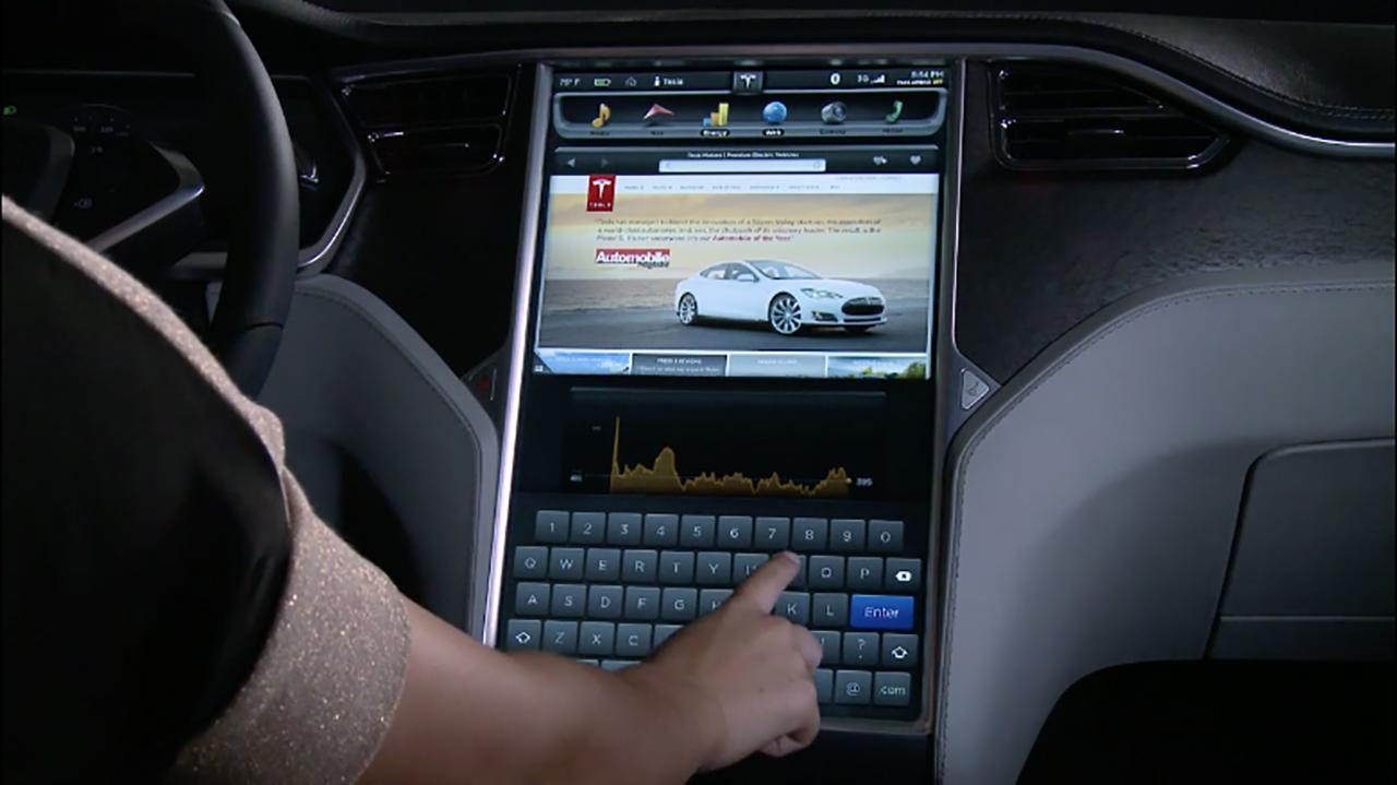 Tesla internet servisi ücretli oluyor!