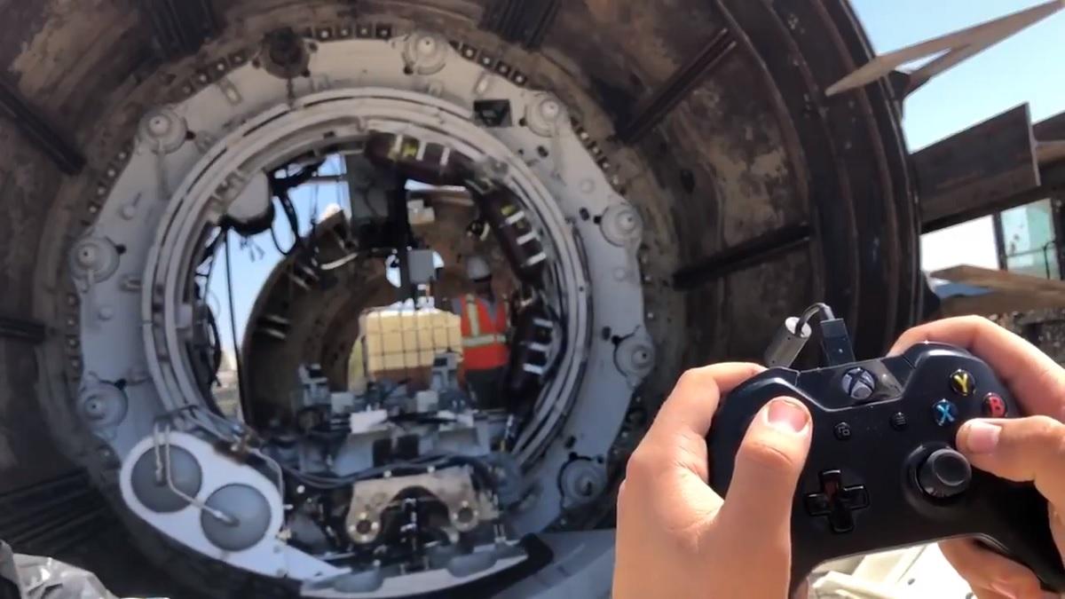 Elon Musk oyun kumandasıyla tünel, Elon Musk