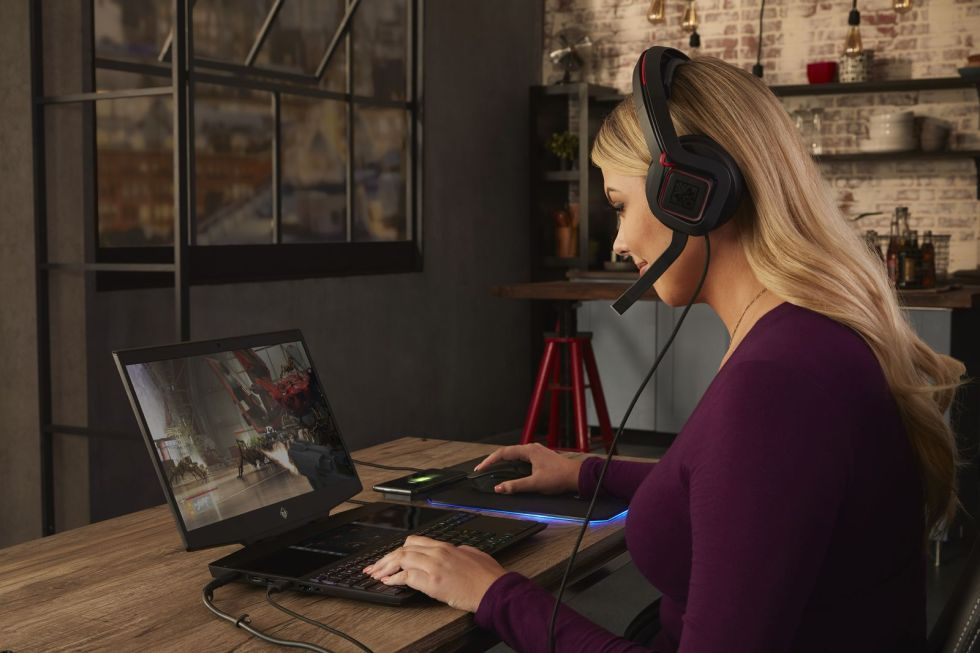 Çift ekranlı laptop modeli HP Omen X 2S