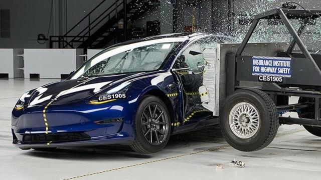 Tesla Model 3 güvenlik testinden ödülle ayrıldı! - ShiftDelete.Net