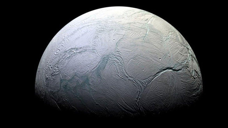 NASA Buzlu Ay Satürn