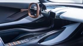 James Bond'un yeni aracı: Aston Martin Valhalla