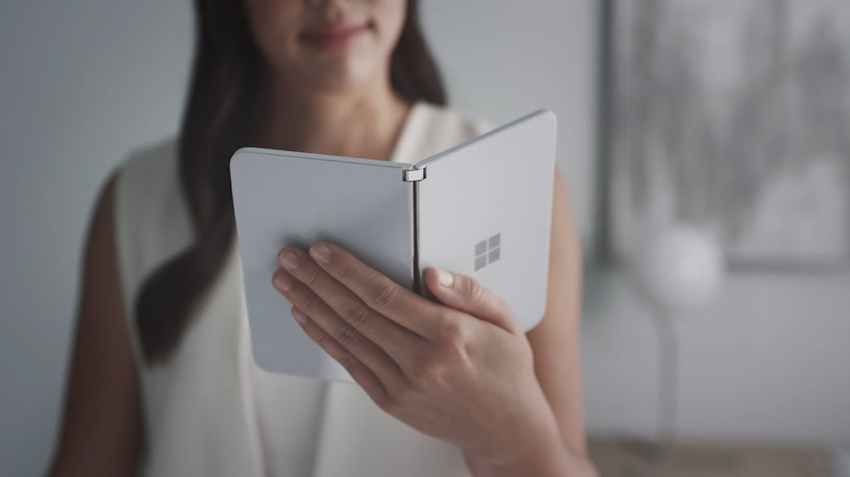 Microsoft Surface Duo Android 11 güncellemesi