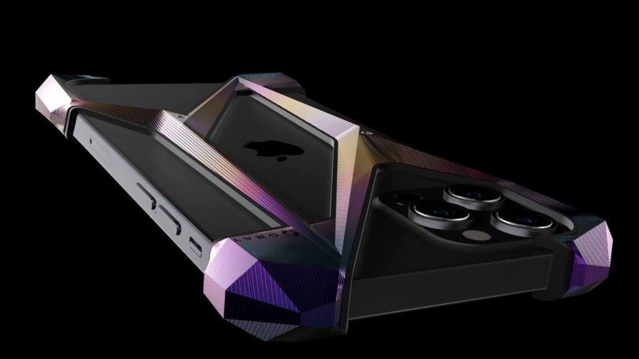 Dudak uçuklatan 3 bin dolarlık iPhone 12 kılıfı! 1