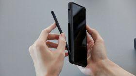 Samsung, katlanabilir telefonları için beklenen haberi verdi