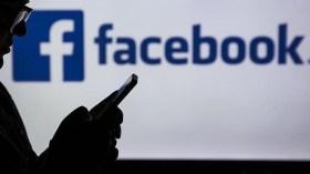 Facebook 'İslamafobik' içerik davası ile karşı karşıya