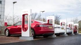 Tesla suçlu bulundu: Araç sahiplerine tazminat ödeyecek