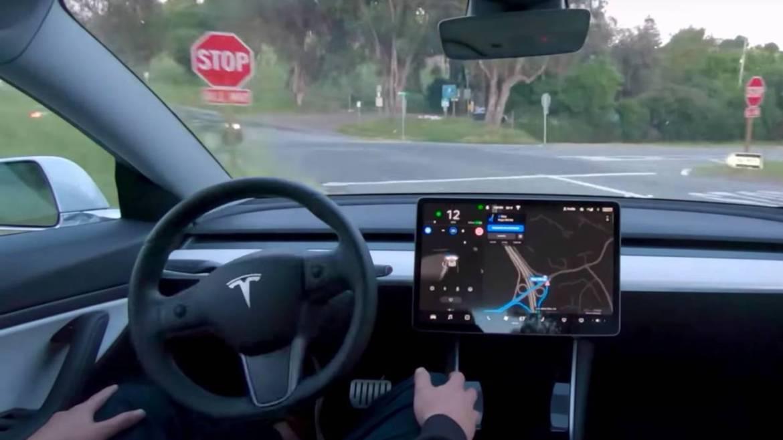 Tesla, seviye 5 tam otonom sorunlarından bahsetti