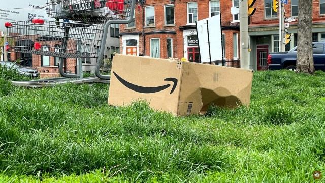 Amazon binlerce ürünü neden imha ediyor?