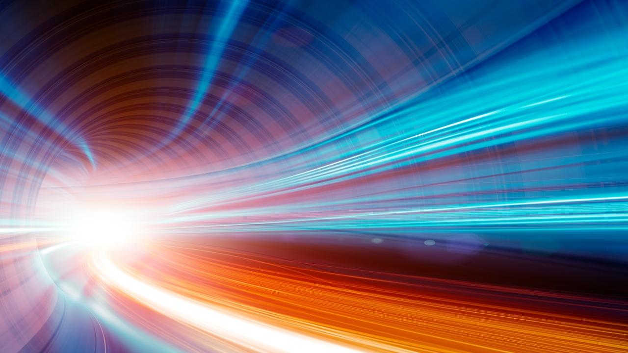 Fizikçiler ışık hızını kırdı