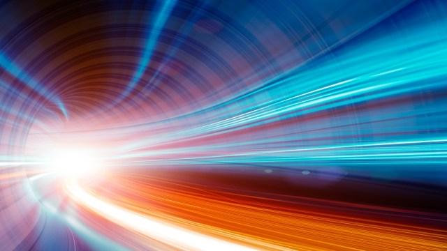 Yeni keşif: Fizikçiler ışık hızını kırdı
