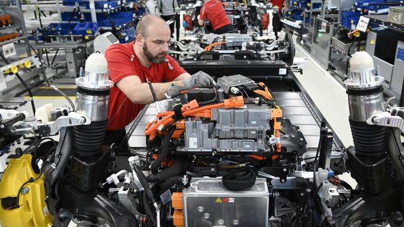 Porsche batarya fabrikası ile gündemde