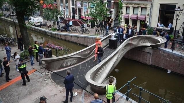 3D yazıcı çelik köprü