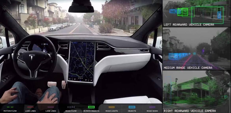Tesla otonom sürüş asistanı için abonelik sistemi geliştirdi