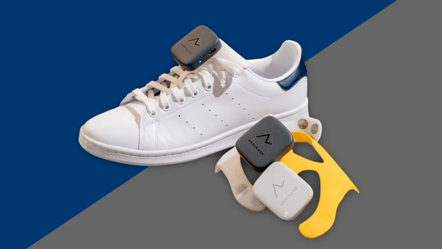 Ashirase Honda girişiminin görme engelliler için titreşimli ayakkabıları