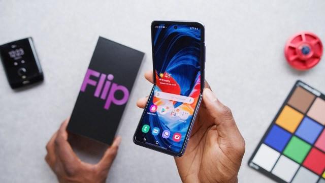 Xiaomi, Z Flip'e benzer katlanabilir telefonun patentini aldı