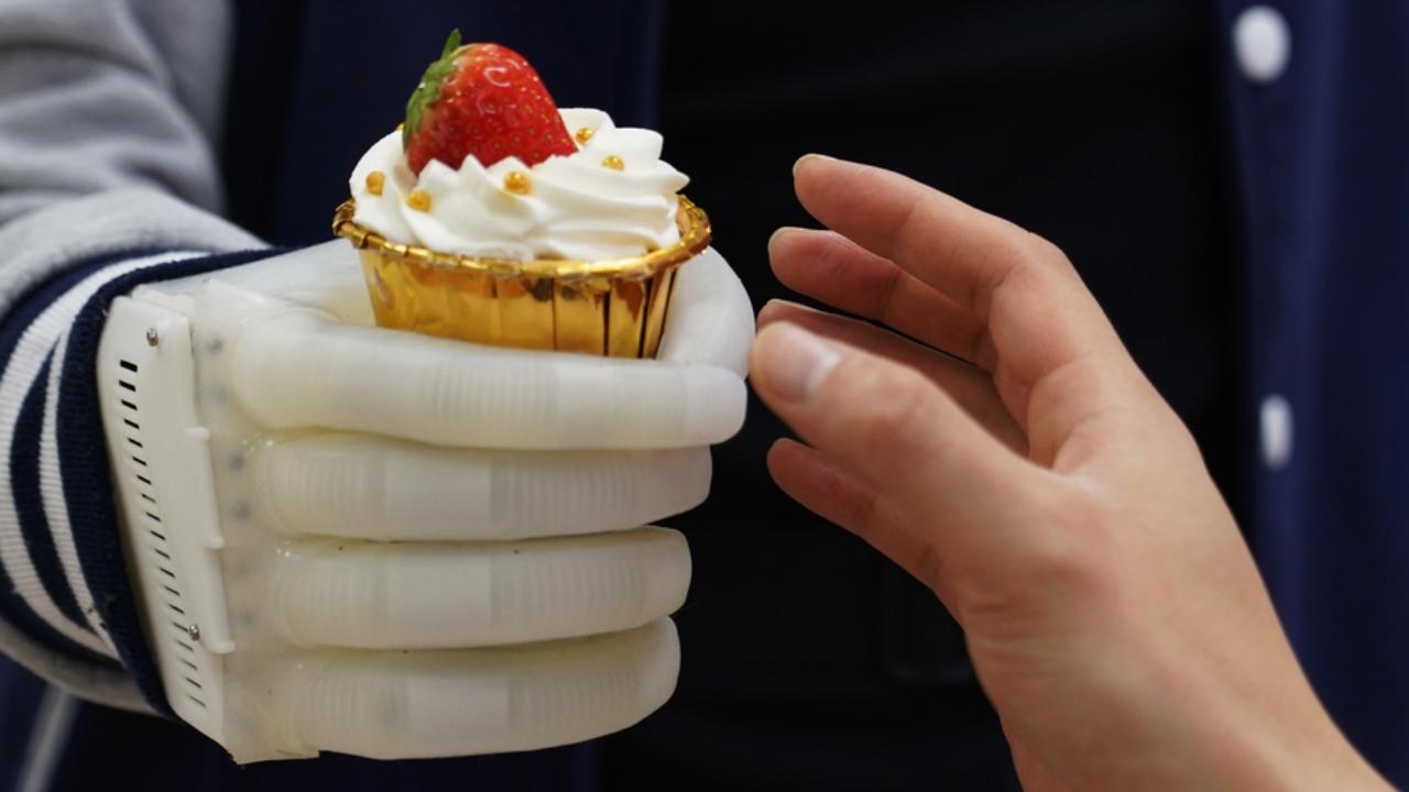 Şişirilebilir biyonik el geliştirildi