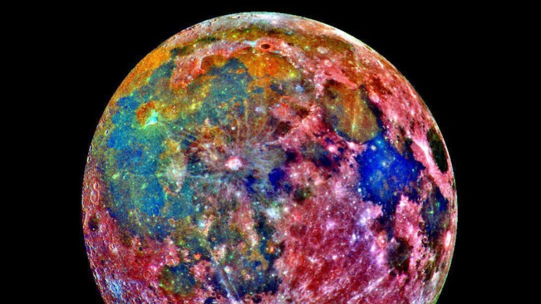 Renkli Ay görüntüleri