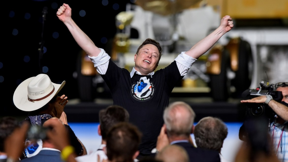 Elon Musk vs Jeff Bezos: Who is more successful in space shipping? 5
