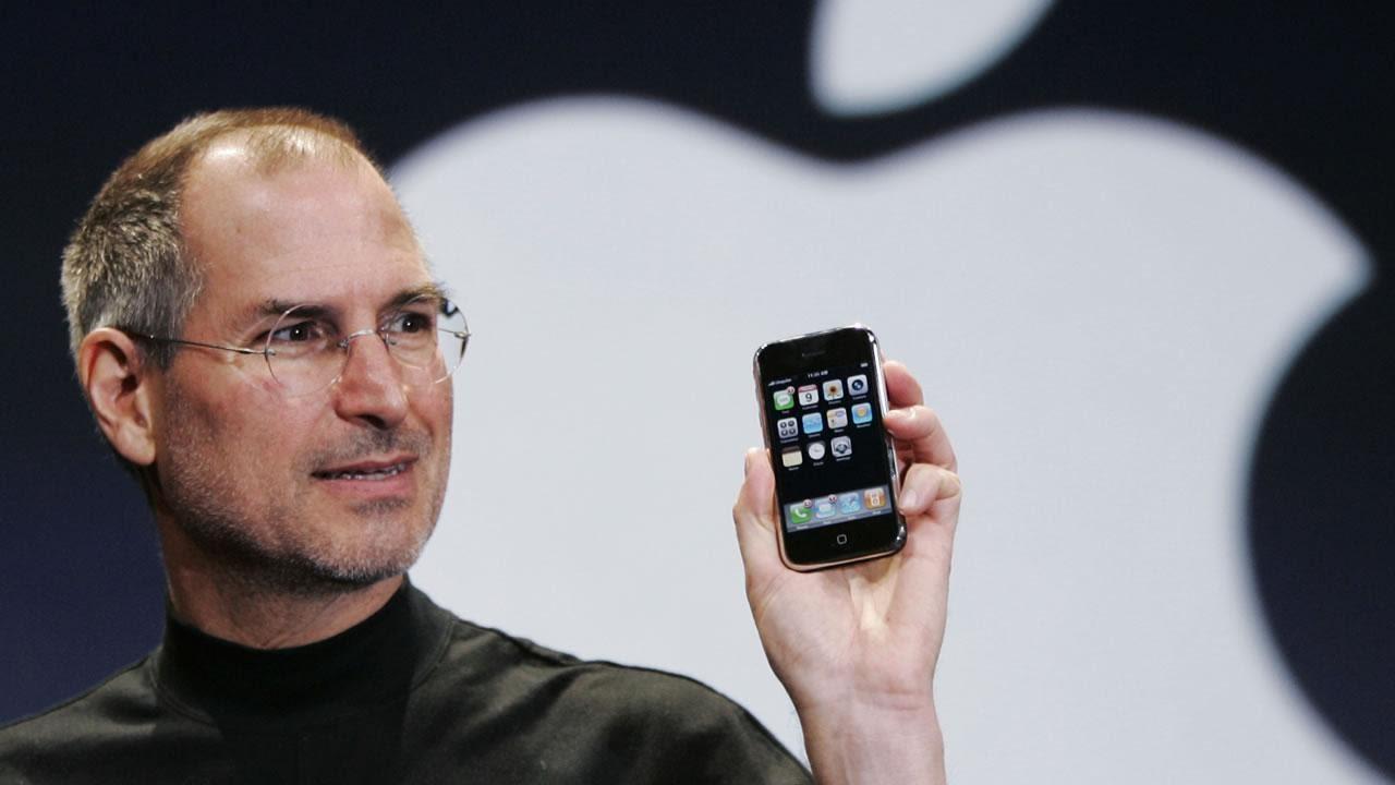 steve jobs iphone nano