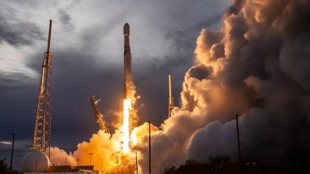 SpaceX, kaç adet Starlink satışı yaptığını açıkladı