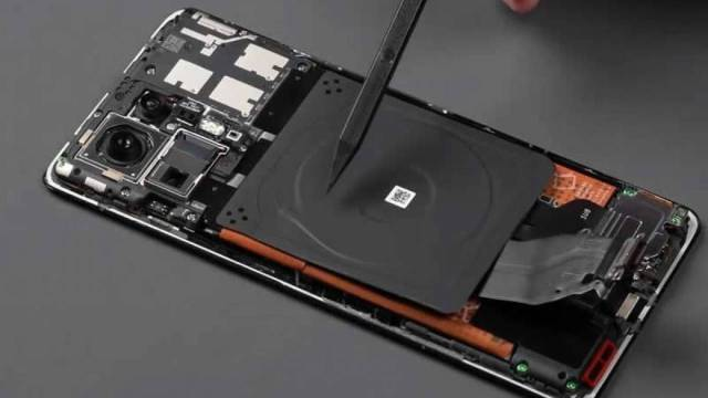 Xiaomi Mi Mix 4 parçalarına ayrıldı