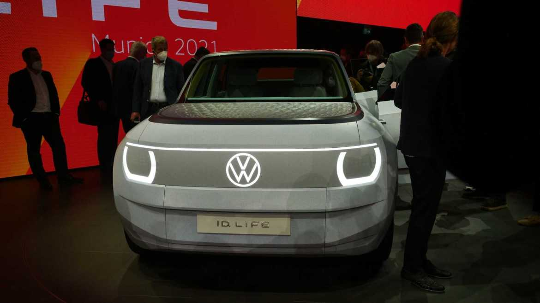Volkswagen unveils concept portable electric car 2