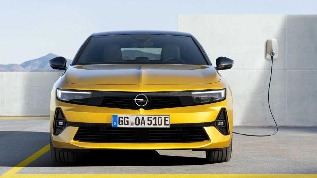 2022 model Opel Astra'nın fiyatı belli oldu!